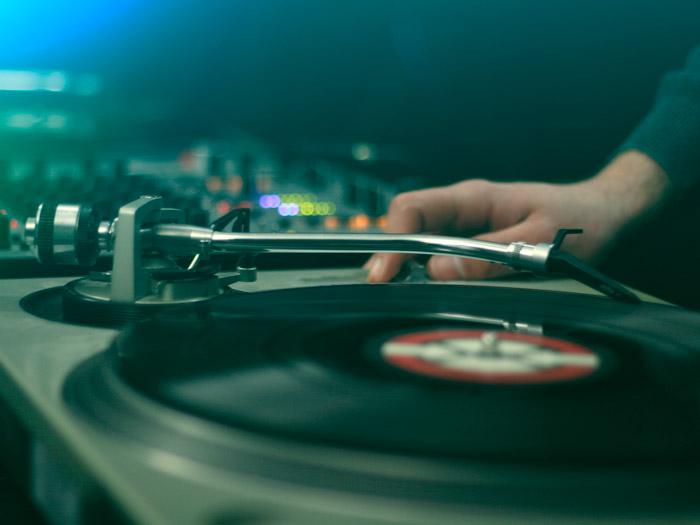 DJ till firmafest